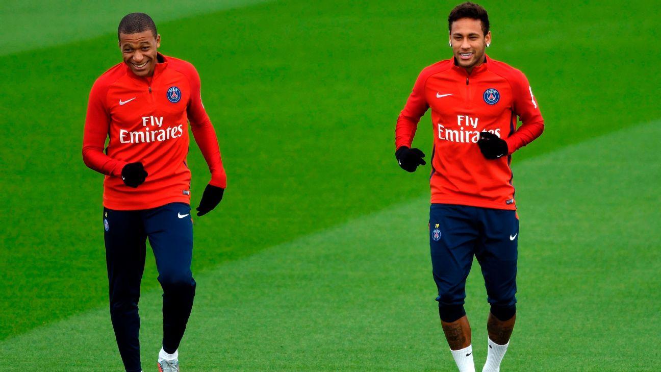Neymar e Mbappé em treino do PSG
