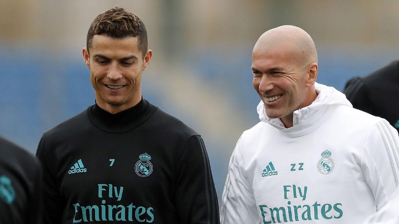 Cristiano Ronaldo e Zinedine Zidane esbanjam felicidade durante treinamento do Real Madrid