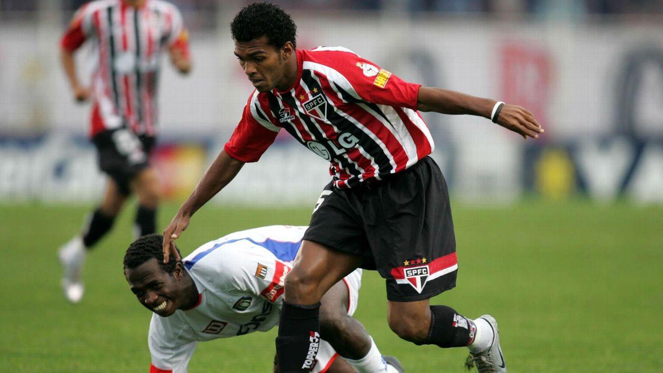 Richarlyson durante jogo do São Paulo contra o São Caetano