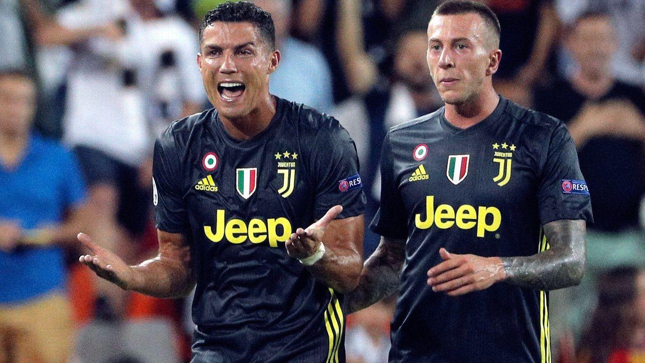 Cristiano Ronaldo chora após ser expulso em jogo da Juventus na Champions