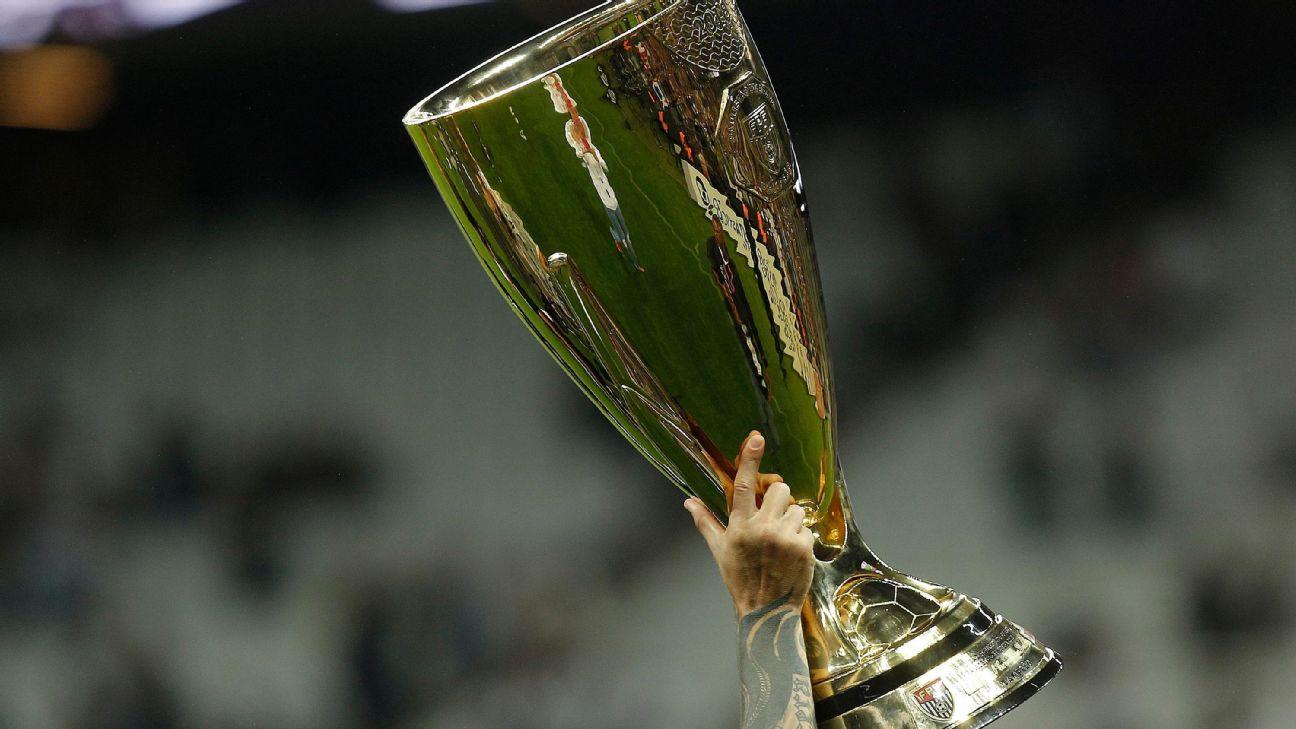 O troféu do Campeonato Paulista, em abril de 2018