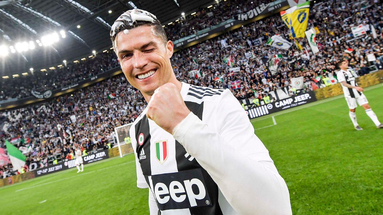 Cristiano Ronaldo comemorando título da Juventus no Campeonato Italiano de 2019