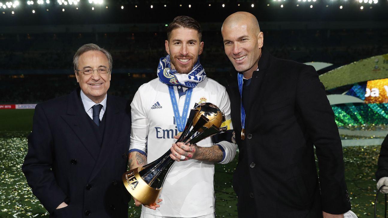 Em ordem, Florentino Pérez, Sergio Ramos e Zinédine Zidane com a taça do Mundial de Clubes de 2016.