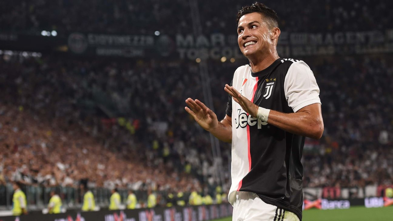 Cristiano comemora seu gol diante do Napoli