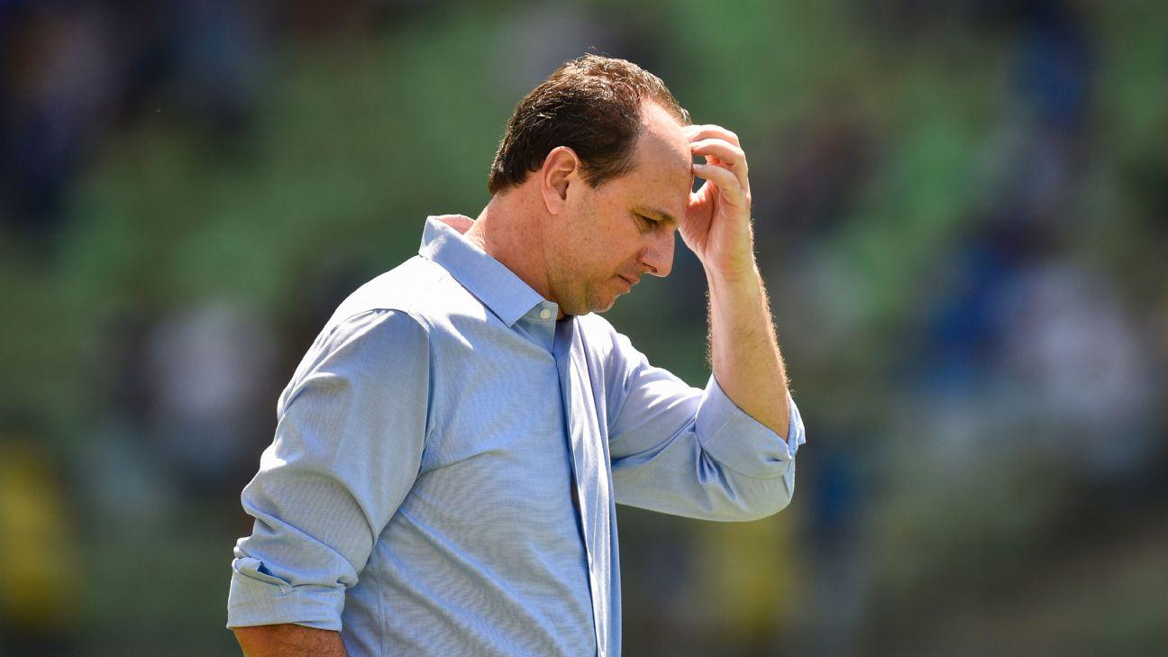 Rogério Ceni durante jogo entre Cruzeiro e Grêmio, pelo Campeonato Brasileiro
