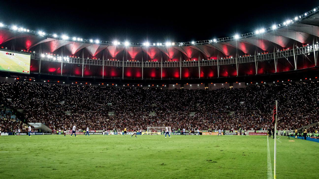 Torcida do Flamengo na vitória sobre o CSA no Maracanã pelo Brasileiro