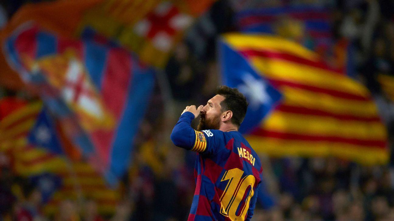 Messi comemora após marcar para o Barcelona sobre o Valladolid