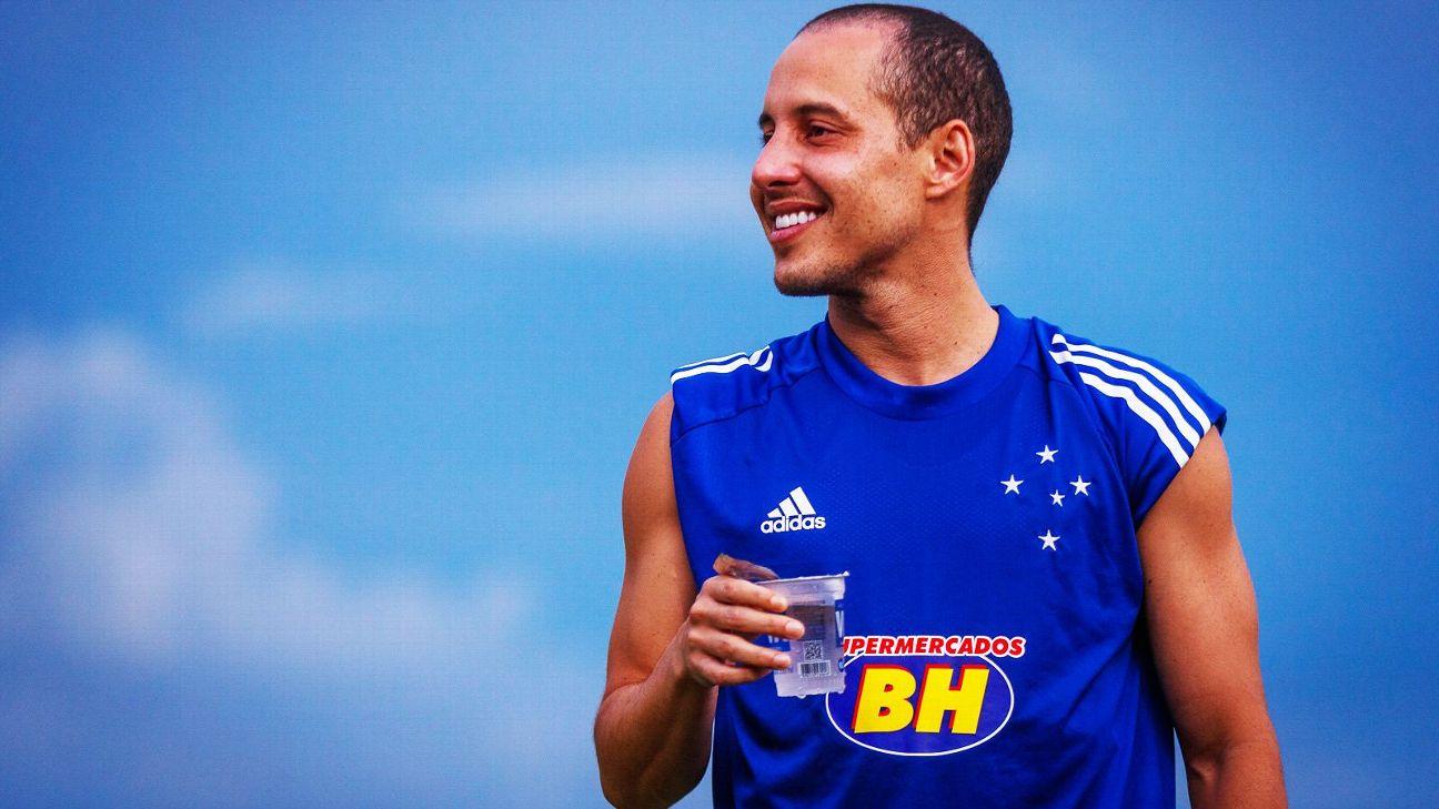 Rodriguinho durante treino do Cruzeiro, em 8 de janeiro de 2020