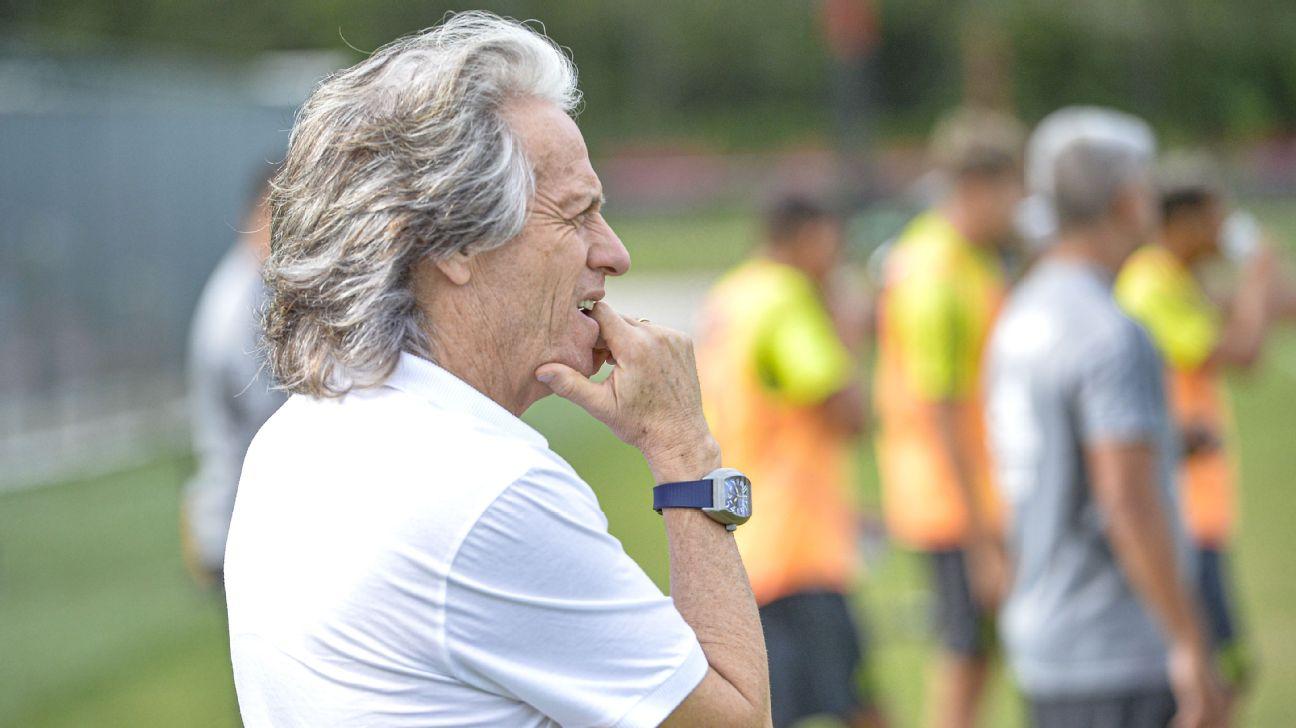 Jorge Jesus, em treino do Flamengo no início de 2020