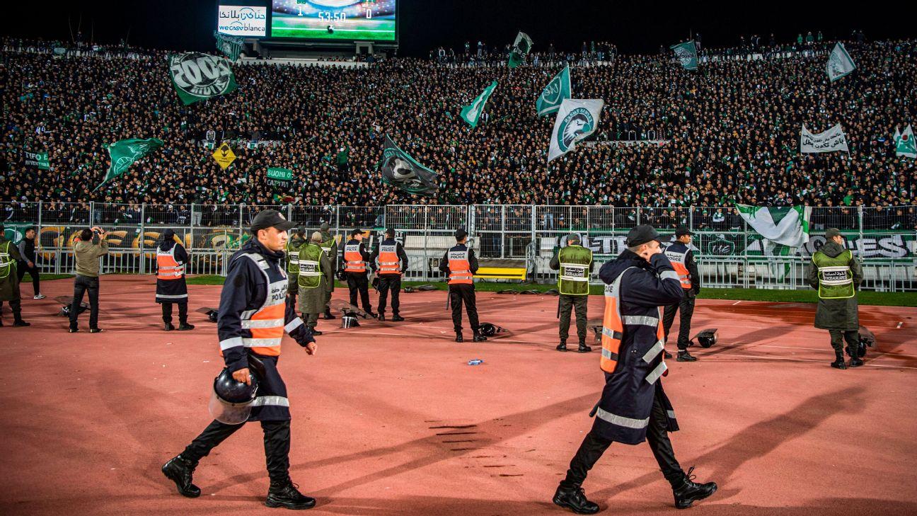 Torcida do Raja Casablanca durante jogo do Campeonato Marroquino