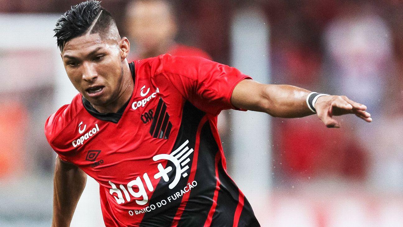 Rony durante jogo entre Athletico-PR e Boca Juniors, pela Libertadores