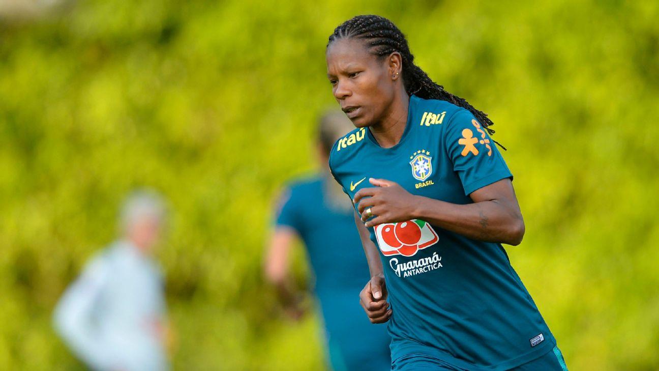 Formiga treinando com a seleção brasileira, em 2019