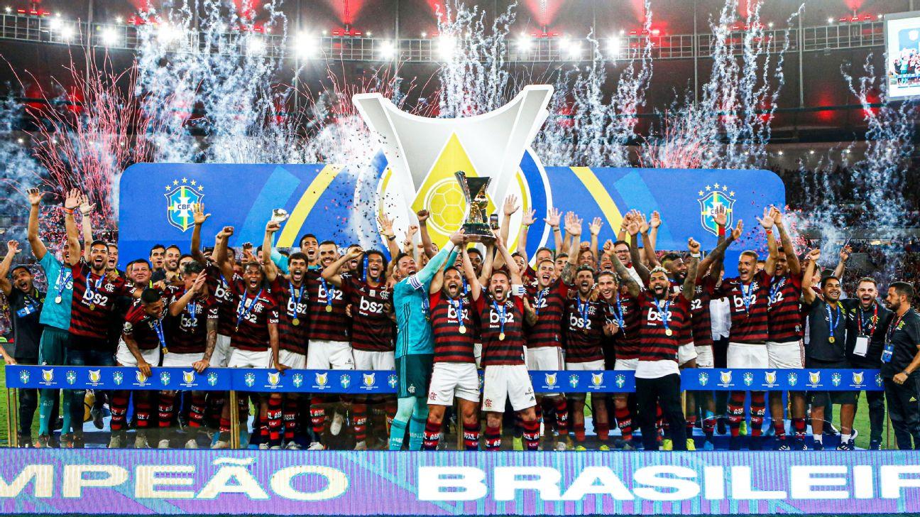 Jogadores do Flamengo comemoram a conquista do Brasileirão 2019