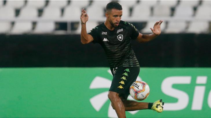 Caio Alexandre, volante do Botafogo