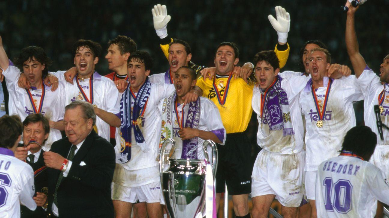 Jogadores do Real Madrid comemoram a conquista da Champions League 1997-98