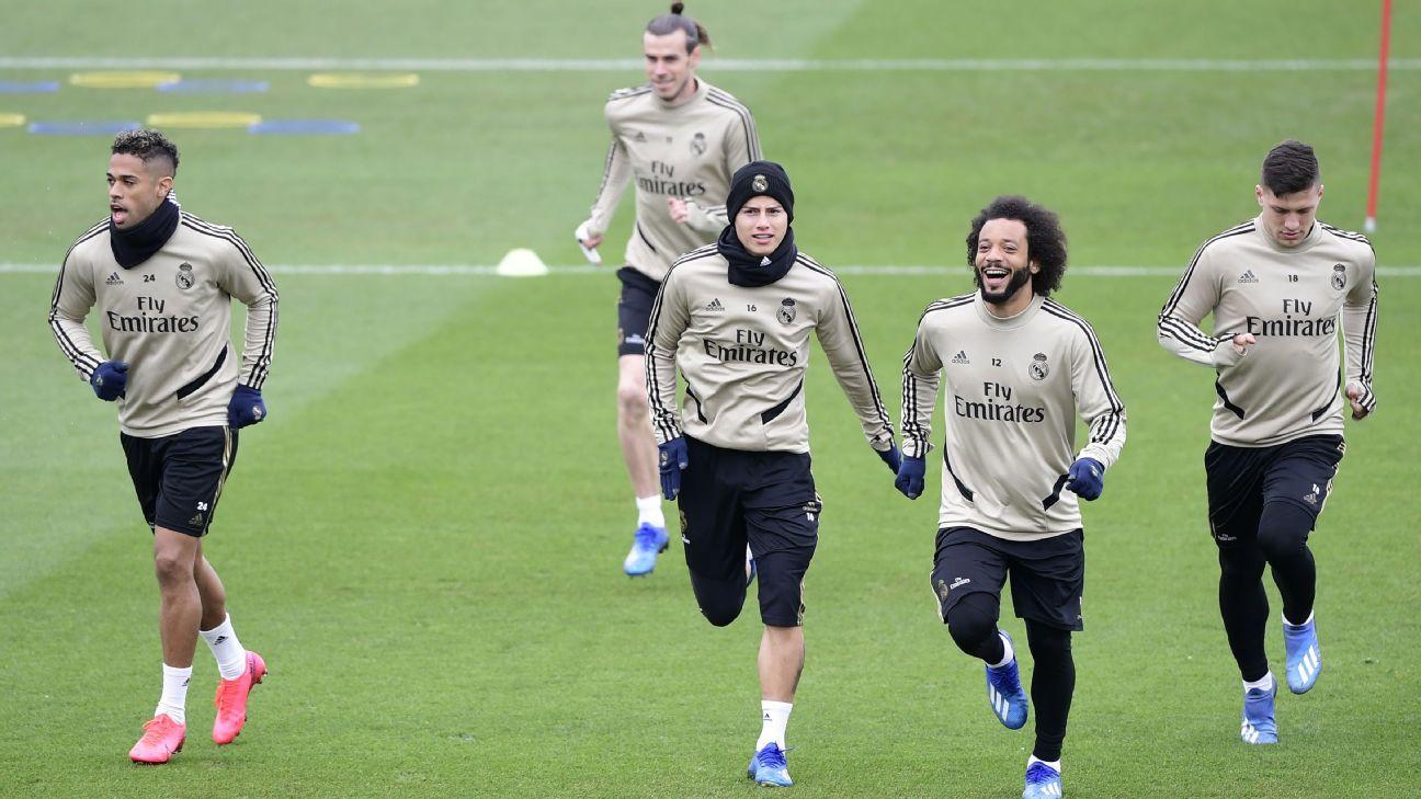 Mariano, Bale, James Rodríguez, Marcelo e Jovic durante treino do Real Madrid