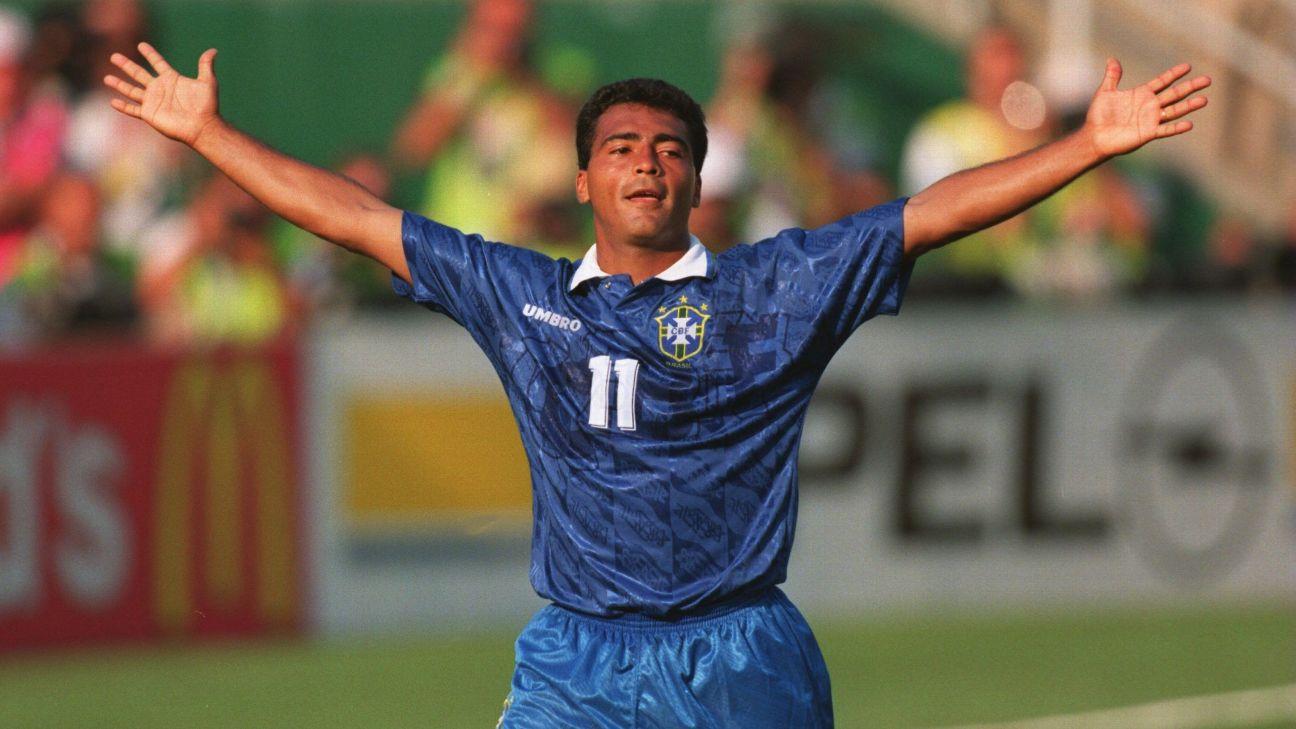 Romário festeja gol na semifinal entre Brasil e Suécia, em 1994