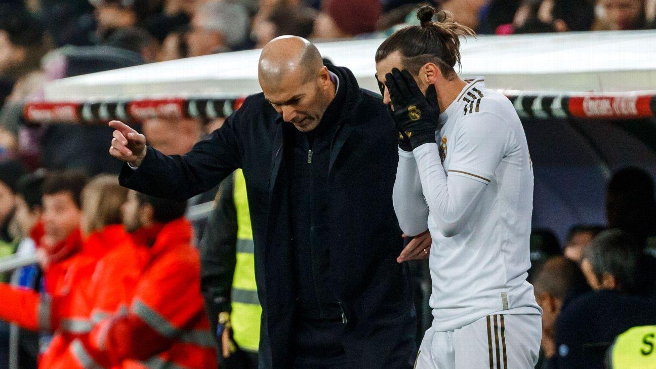 Zidane dá instruções a Bale durante jogo entre Real Madrid e Athletico Bilbao