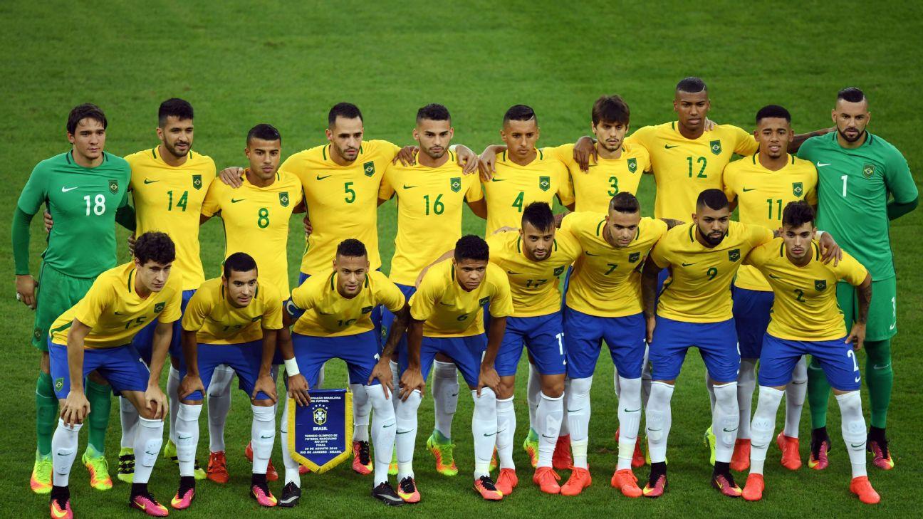 Seleção brasileira posada antes de jogo contra a Alemanha, na final do Rio-2016