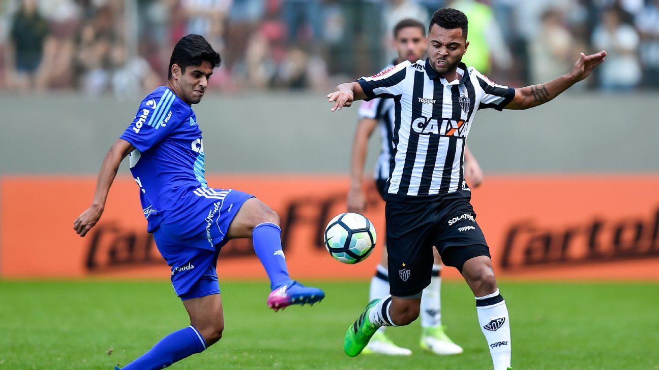 Rafael Carioca em ação pelo Atlético-MG em 2017