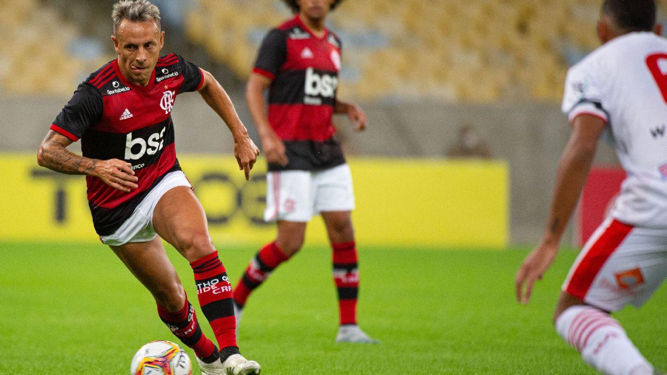 Rafinha durante jogo entre Flamengo e Bangu, pelo Campeonato Carioca