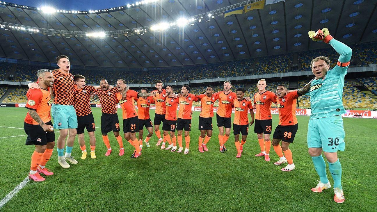 Jogadores do Shakhtar comemoram a conquista do Campeonato Ucraniano