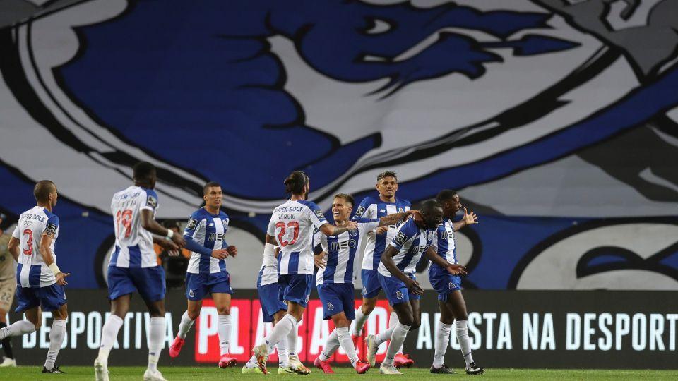 Moussa Marega comemora um de seus dois gols contra o Boavista, pelo Porto