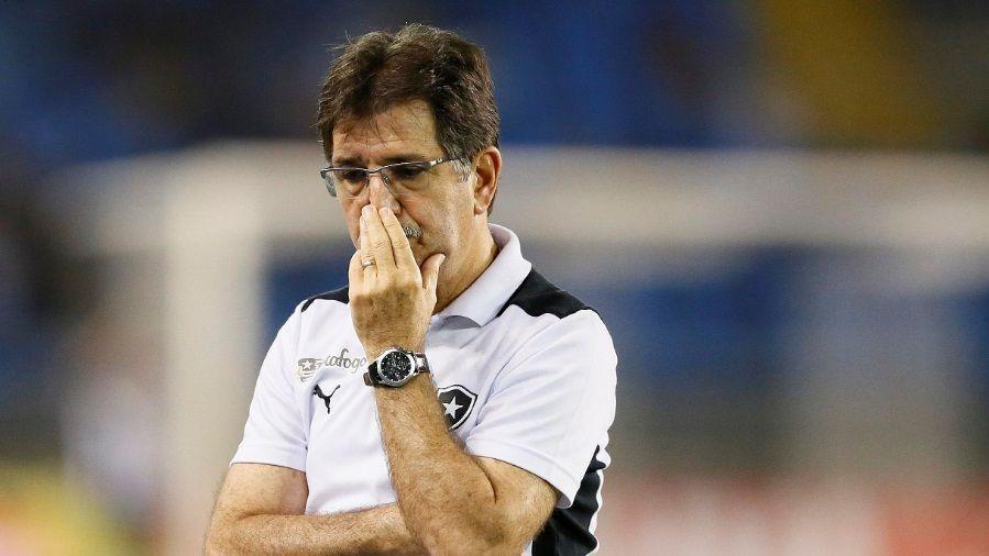 O técnico Renê Simões em 2015, então no comando do Botafogo