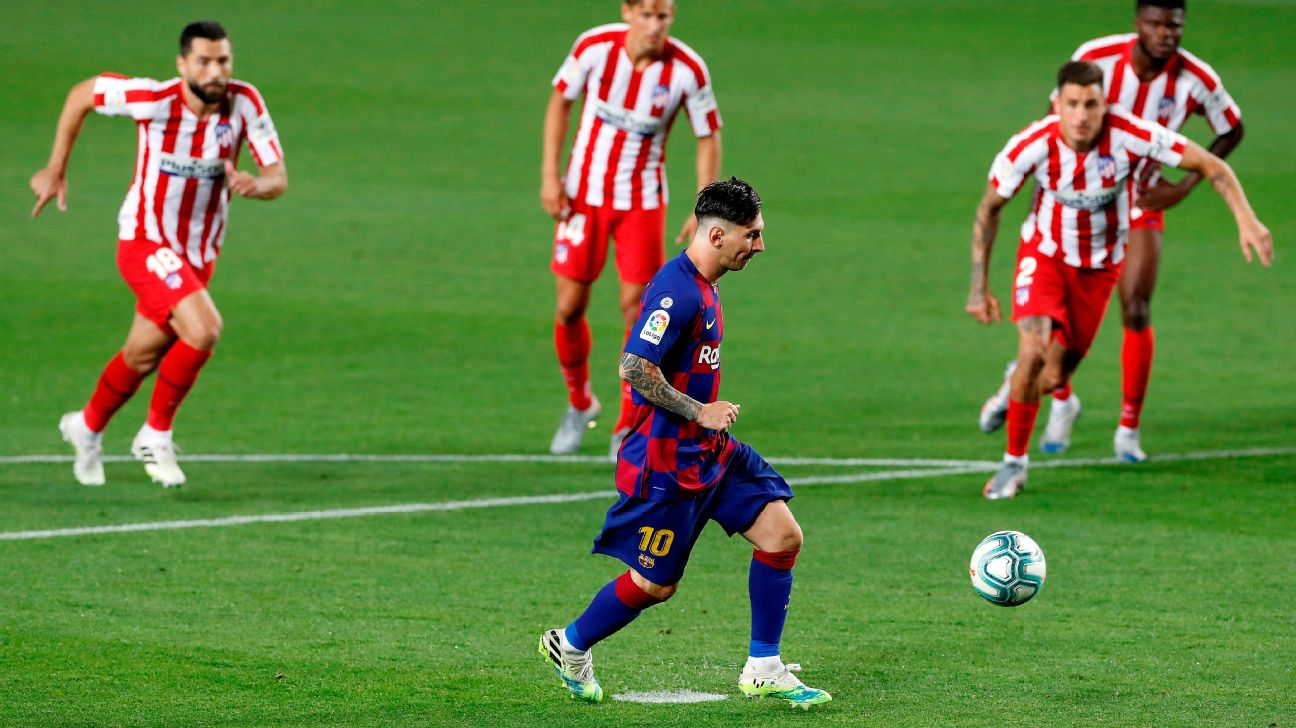Messi bate pênalti de cavadinha para marcar para o Barcelona sobre o Atlético