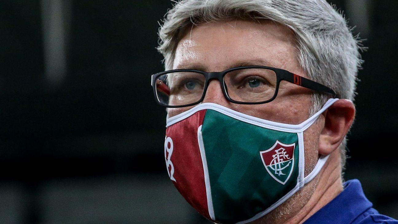 Odair Hellmann durante jogo entre Fluminense e Flamengo, pela Taça Rio