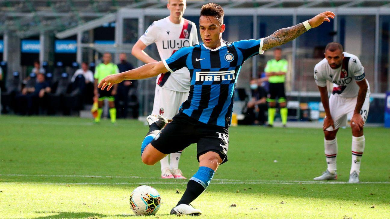 Lautaro Martínez durante jogo entre Inter de Milão e Bologna, pela Serie A