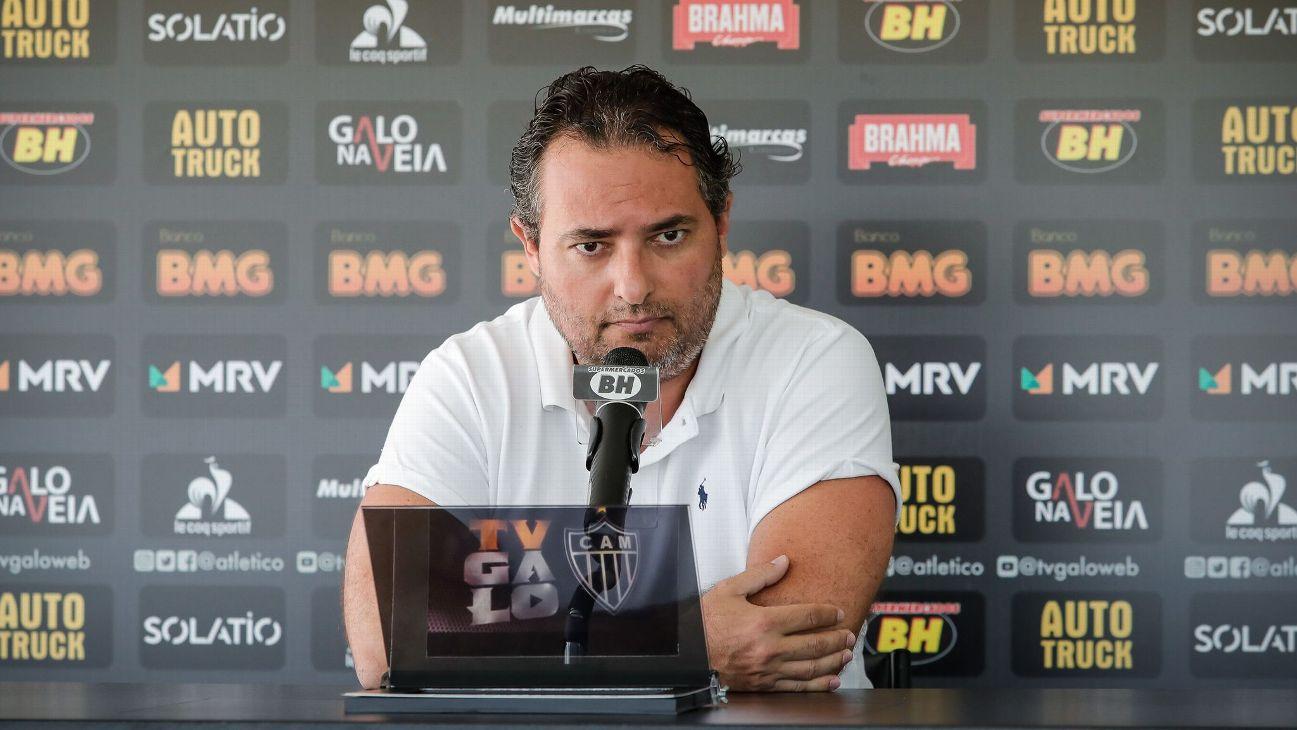 Alexandre Mattos, diretor de futebol do Atlético-MG, dá entrevista