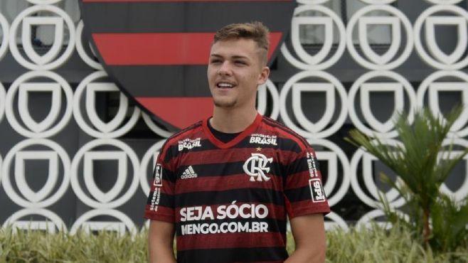 Gabriel Noga, zagueiro das categorias de base do Flamengo