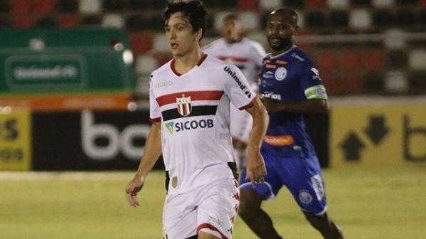 Matheus Anjos durante jogo entre Botafogo-SP e Confiança, pela Série B