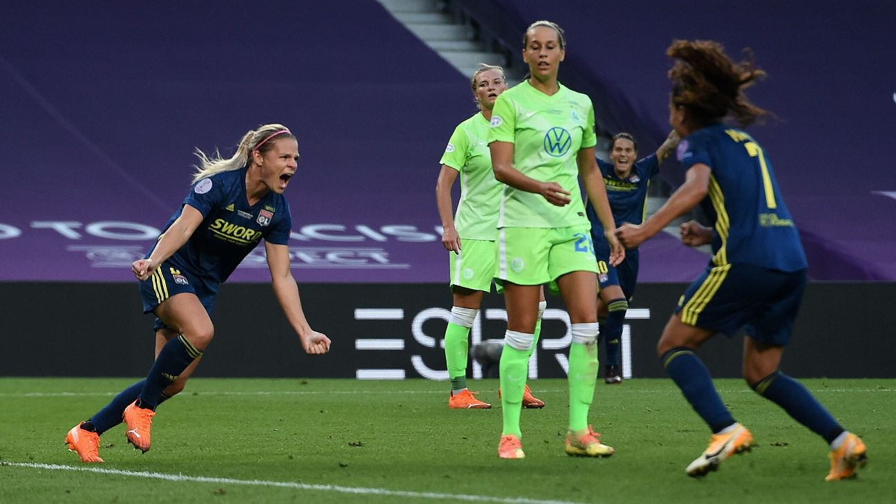 Le Sommer comemora gol na final contra o Wolfsburg