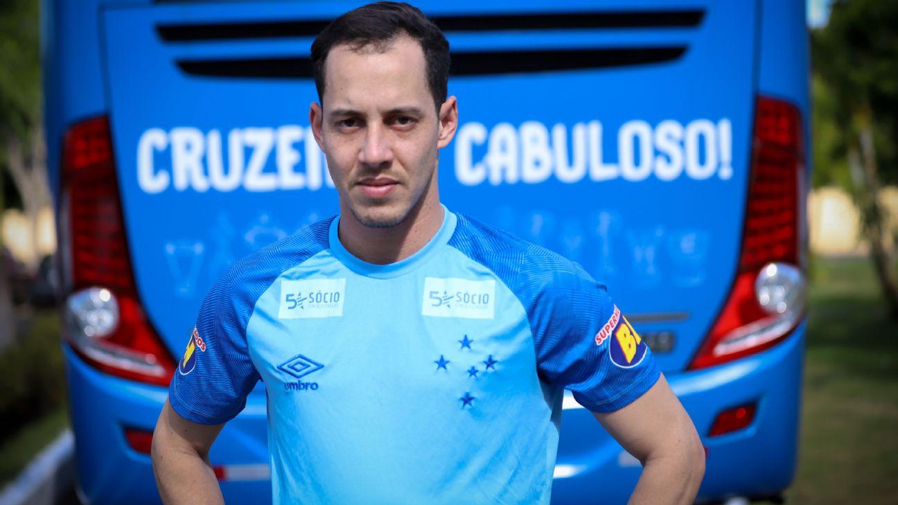 Rodriguinho durante sua apresentação como reforço do Cruzeiro