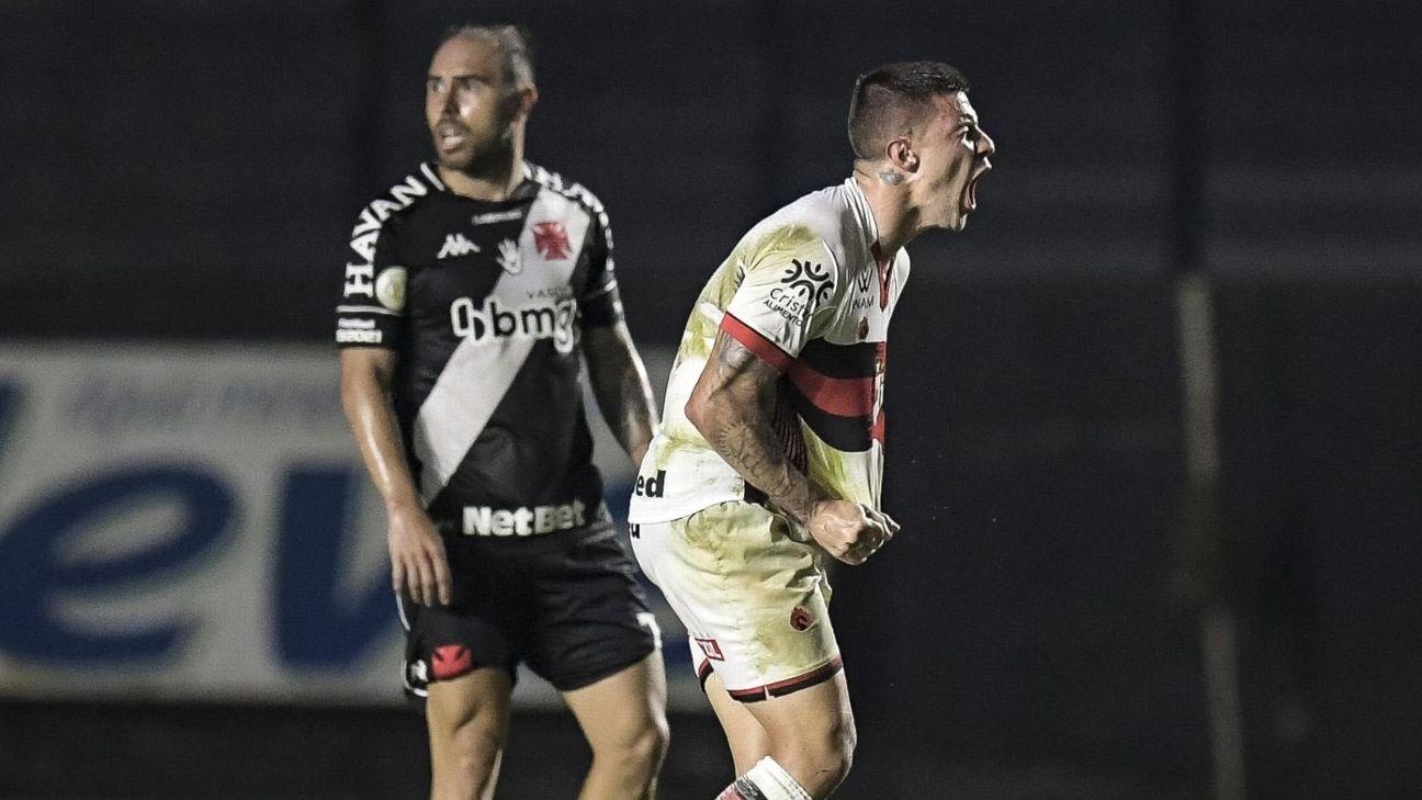 Renato Kayser comemora gol contra o Vasco