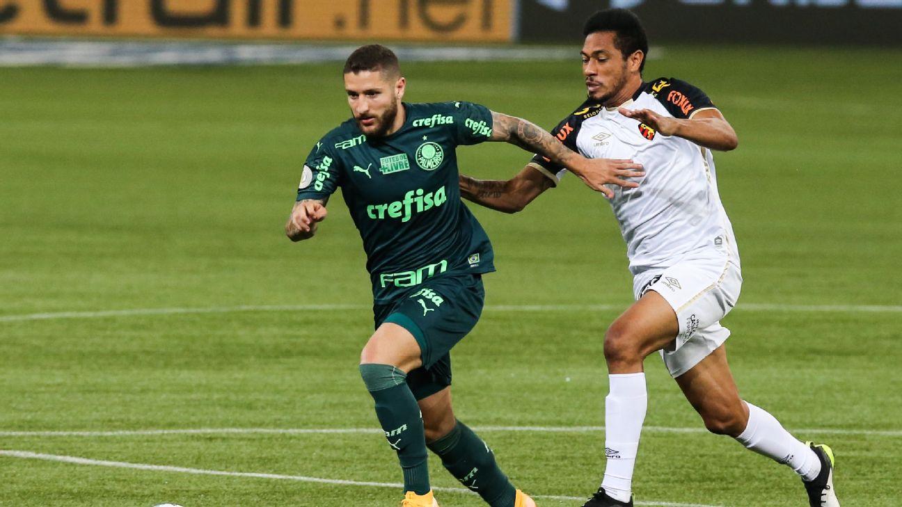 Zé Rafael e Hernane durante a partida entre Palmeiras e Sport