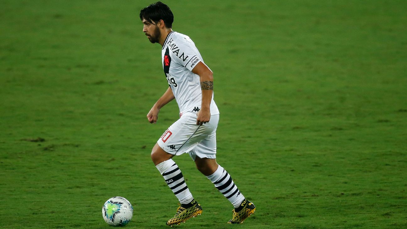 Benítez durante jogo entre Vasco e Botafogo, pelo Brasileirão