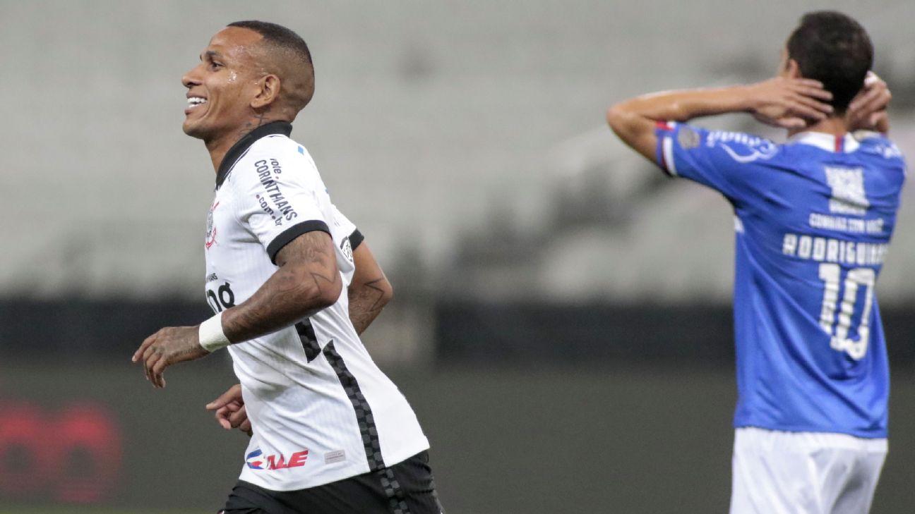 Otero comemora gol contra o Bahia
