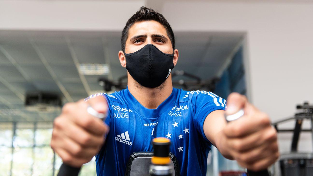 Daniel Guedes, em treino do Cruzeiro