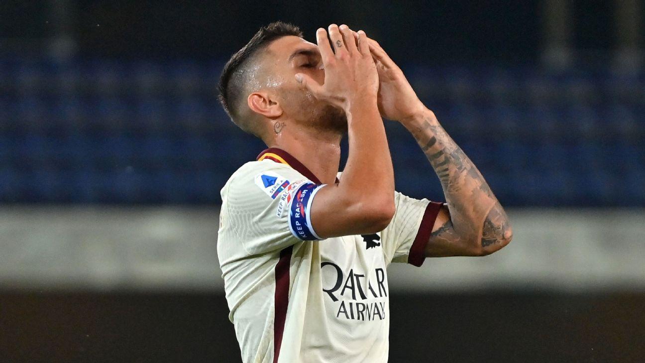 Lorenzo Pellegrini lamenta chance perdida durante partida entre Hellas Verona e Roma