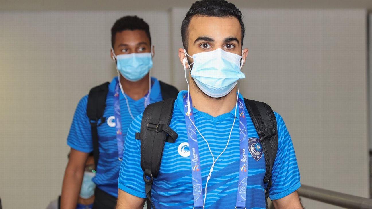 Jogadores do Al Hilal antes da partida contra o Shabab Al-Ahli Dubai FC pela Champions asiática