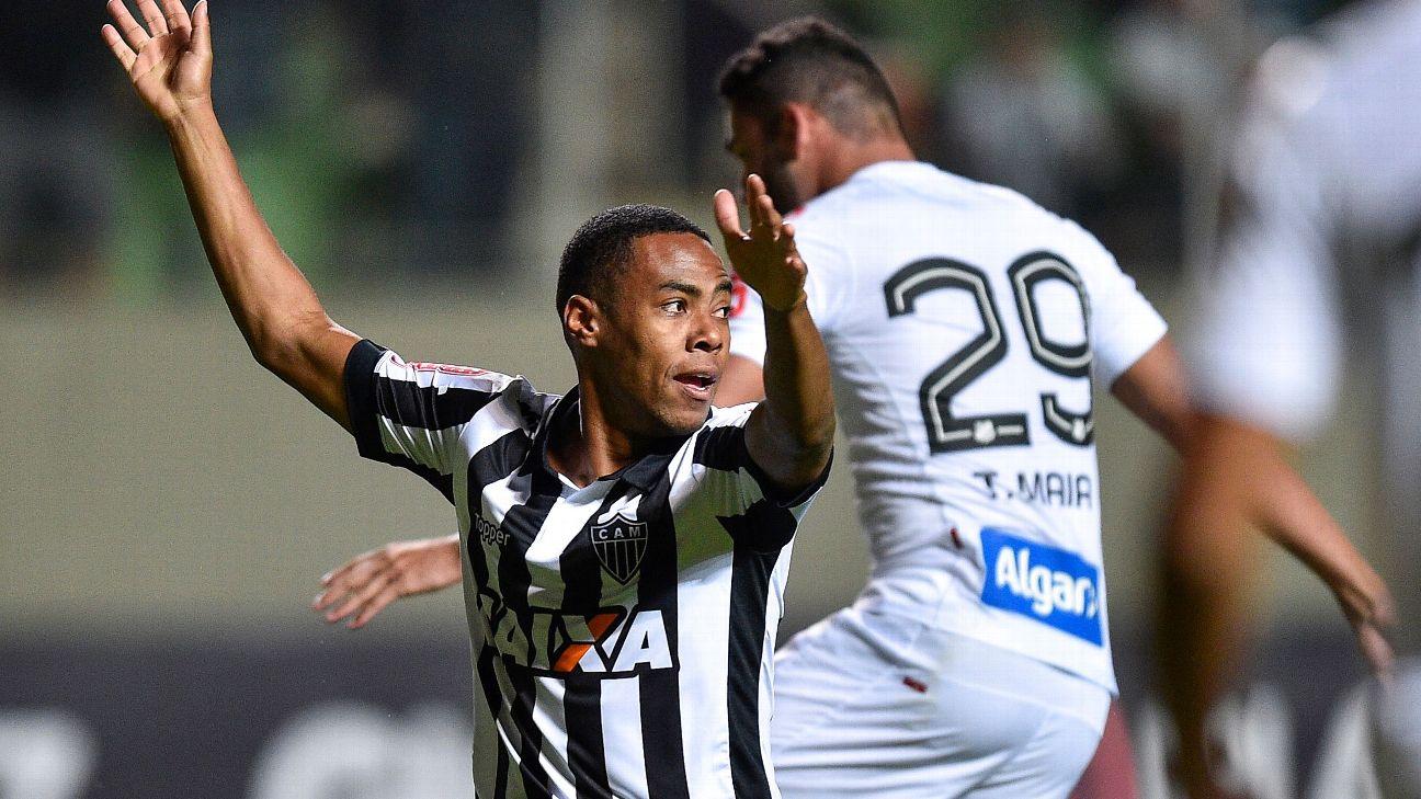 Elias durante jogo entre Atlético-MG e Santos, em 2017