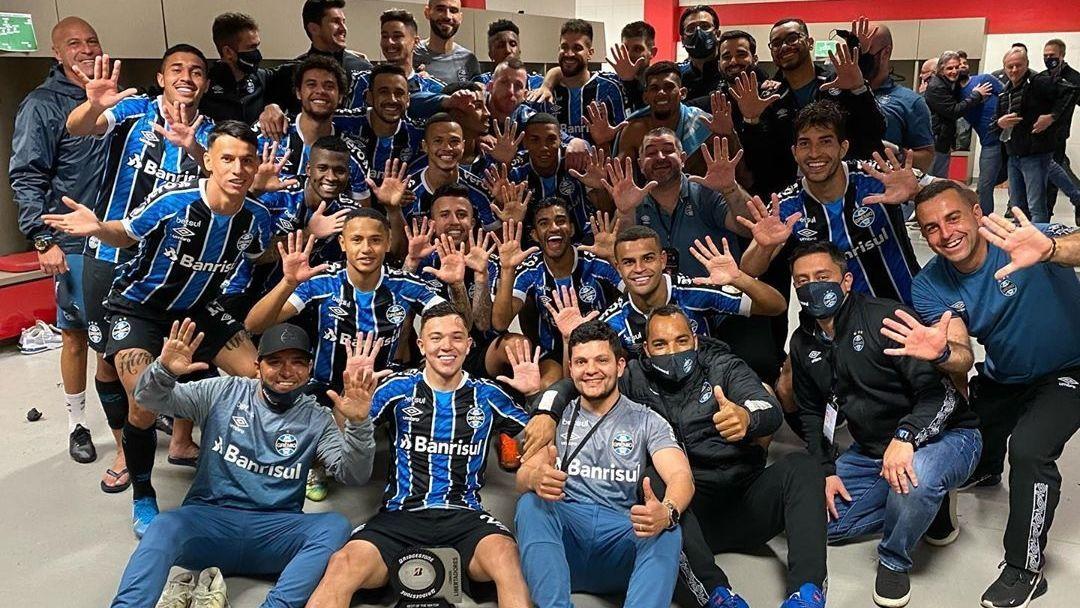 Jogadores do Grêmio provocam o Inter após vitória no Gre-Nal