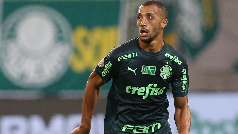Vitor Hugo durante jogo entre Palmeiras e Sport, pelo Brasileirão