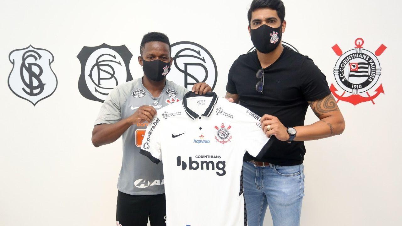 Cazares é confirmado como reforço do Corinthians e usará a camisa 10