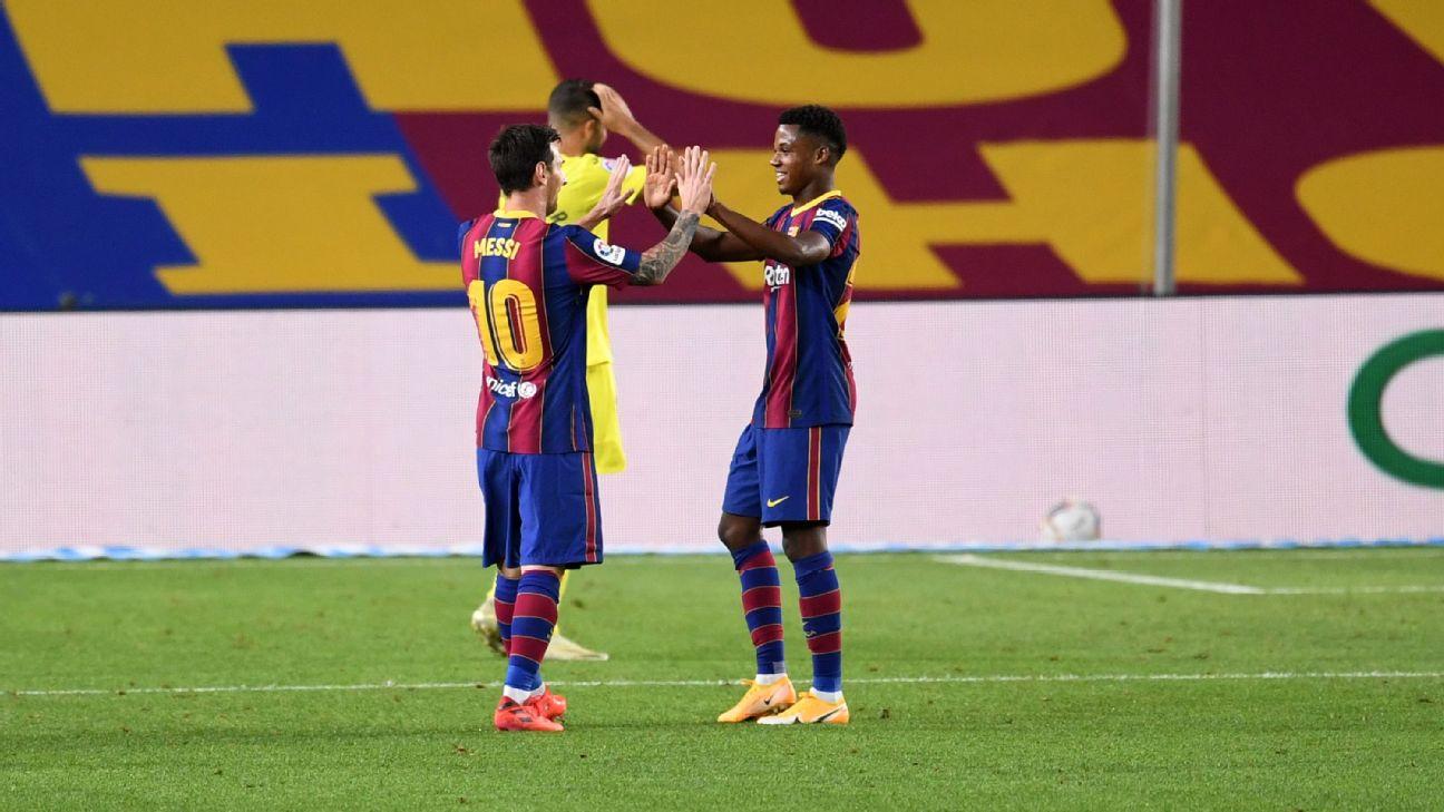 Messi e Ansu Fati comemoram gol diante do Villarreal