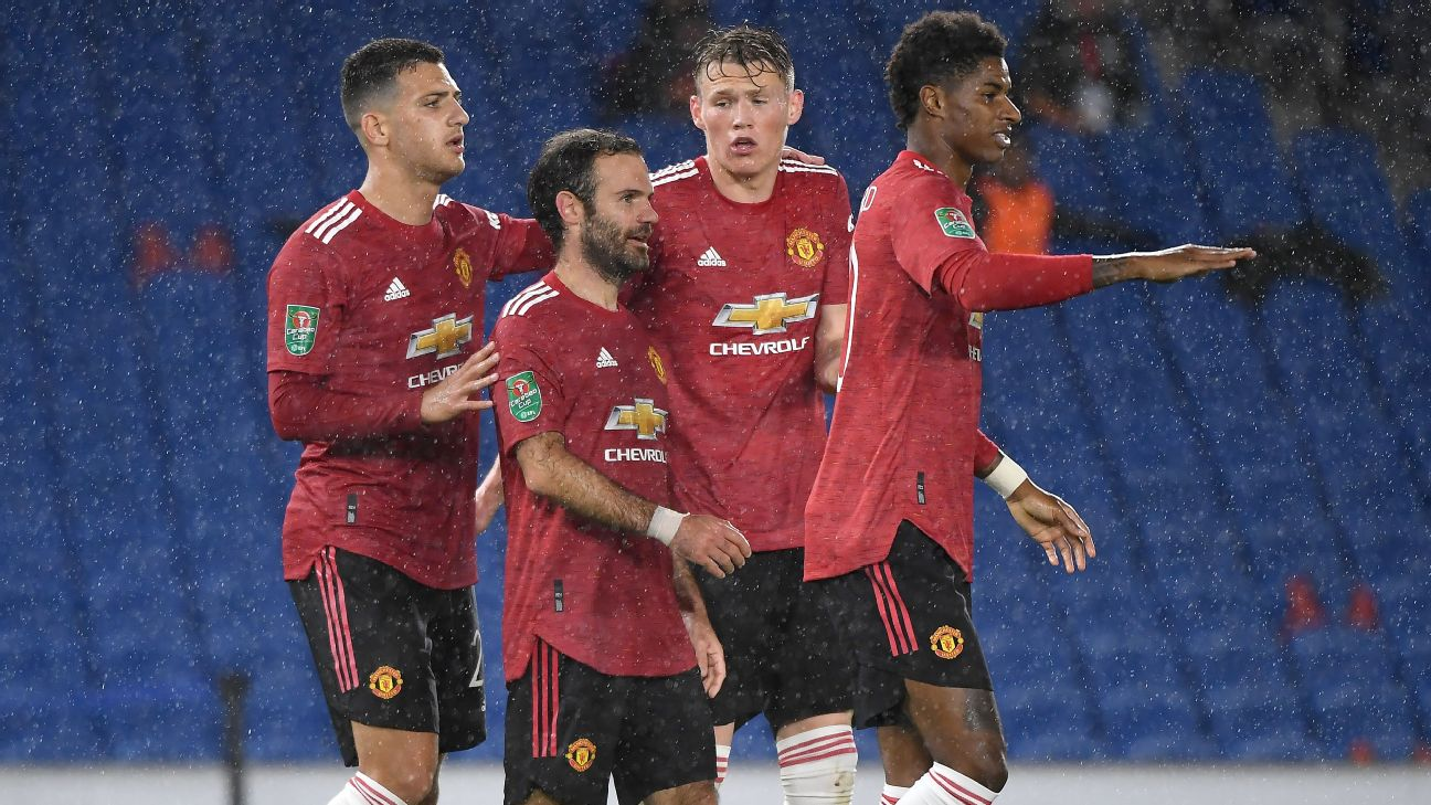 Mata comemora gol na vitória do Manchester United sobre o Brighton pela Copa da Liga Inglesa