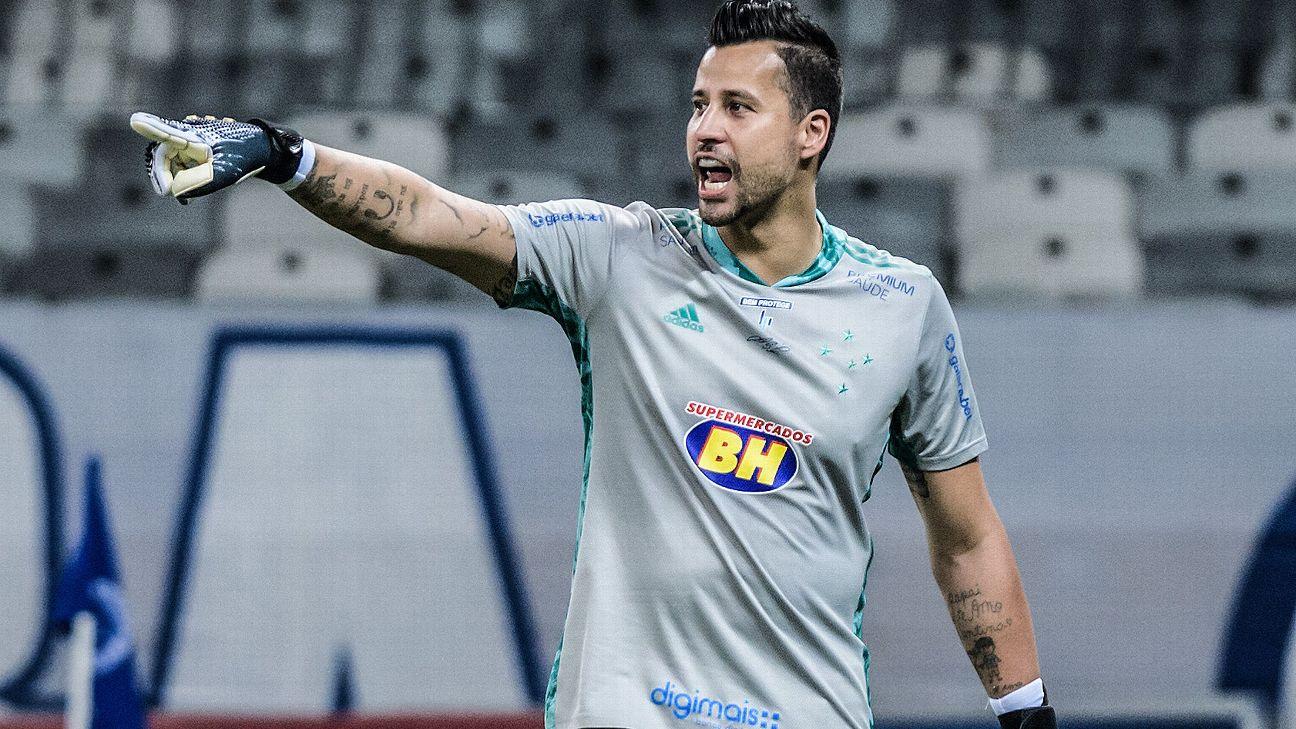 Fábio durante jogo entre Cruzeiro e Sampaio Corrêa, pela Série B